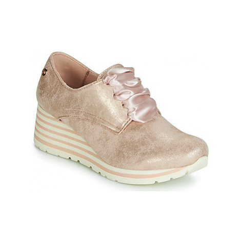 Xti 47756 women's Shoes (Trainers) in Pink