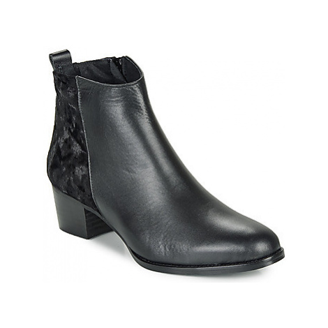 So Size GUILERMO women's Low Ankle Boots in Black