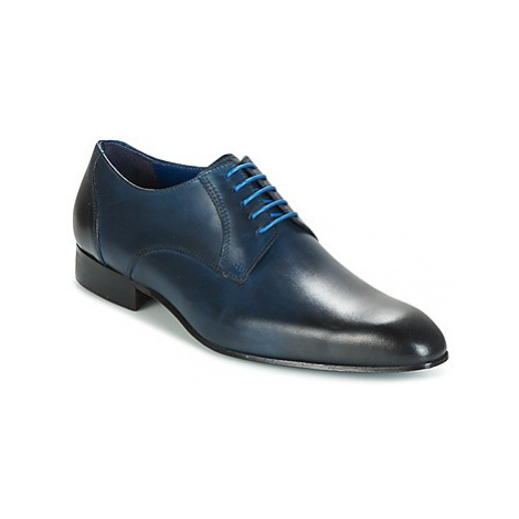 Carlington EMRONE men's Casual Shoes in Blue