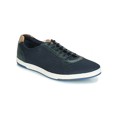 Base London HUSTLE MESH men's Shoes (Trainers) in Blue