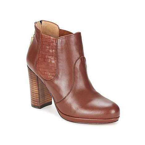 Betty London BUTUAN women's Low Ankle Boots in Brown