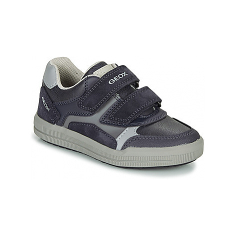 Geox J ARZACH BOY D boys's Children's Shoes (Trainers) in multicolour