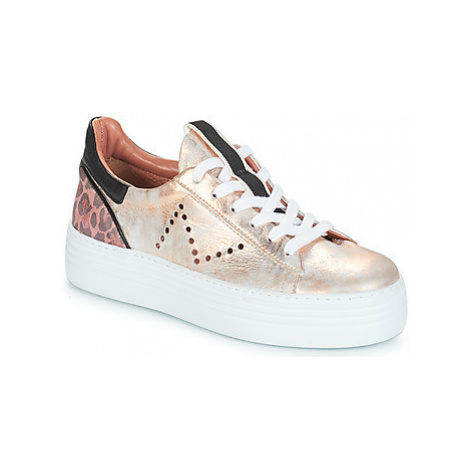 Metamorf'Ose ELAMERA women's Shoes (Trainers) in Gold