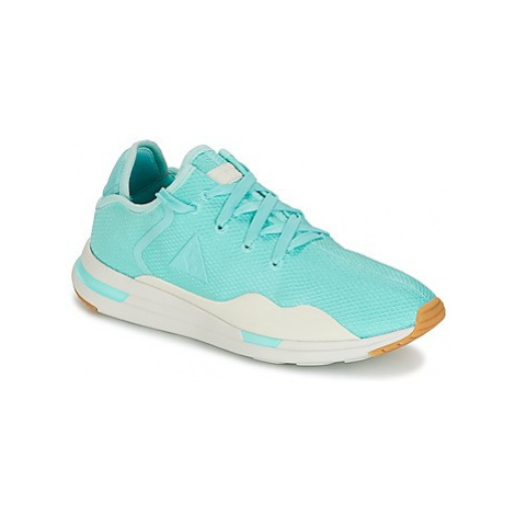 Le Coq Sportif SOLAS W SUMMER FLAVOR women's Shoes (Trainers) in Blue