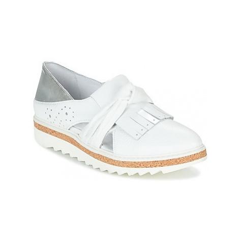 Regard RASTAFA women's Loafers / Casual Shoes in White