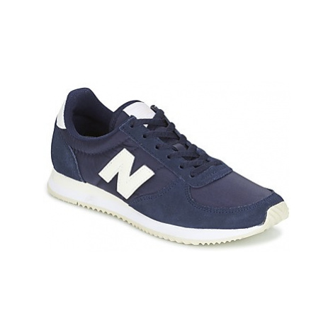 New Balance WL220 women's Shoes (Trainers) in Blue
