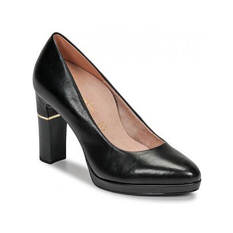 Tamaris SADEA women's Court Shoes in Black