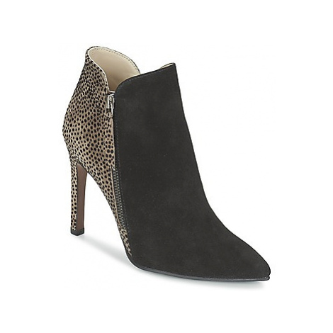 Paco Gil POICRO women's Low Ankle Boots in Black