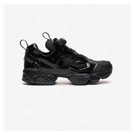 Black men's training shoes