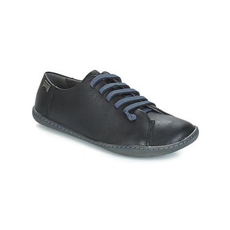 Camper PEUC women's Casual Shoes in Black