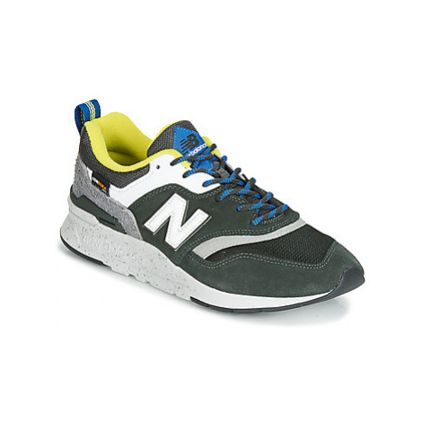 New Balance 997 men's Shoes (Trainers) in Green