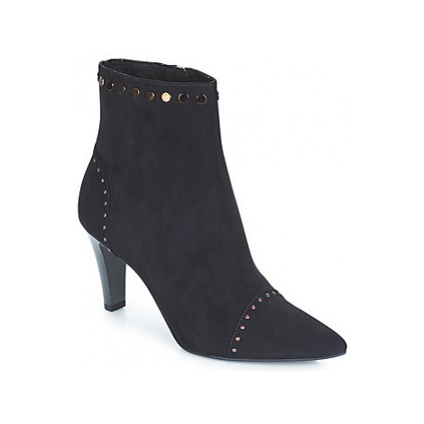 Tamaris AMELIA women's Low Ankle Boots in Black