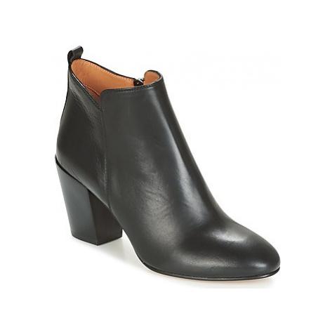 Emma Go EWANS women's Low Ankle Boots in Black