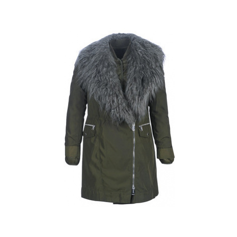 Guess NEREA women's Parka in Green