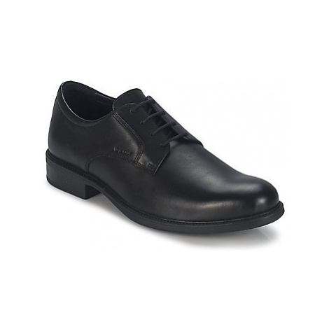 Geox CARNABY D men's Casual Shoes in Black