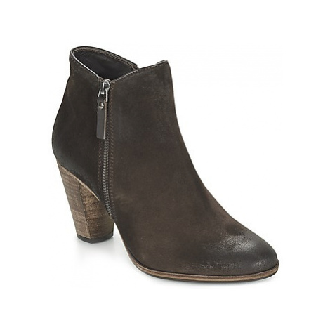 N.d.c. SNYDER women's Low Ankle Boots in Brown