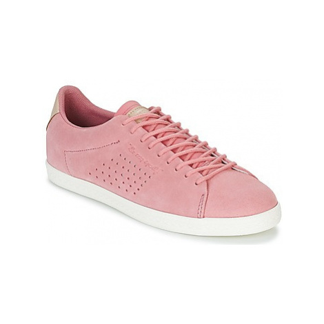 Le Coq Sportif CHARLINE SUEDE women's Shoes (Trainers) in Pink