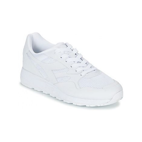 Diadora N902 MM women's Shoes (Trainers) in White