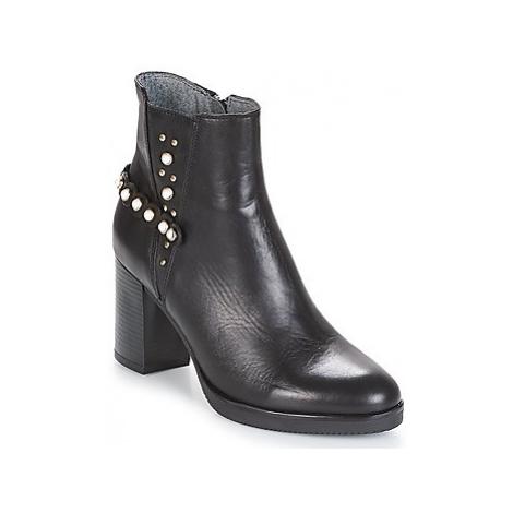 Metamorf'Ose DAMOISEAU women's Low Ankle Boots in Black