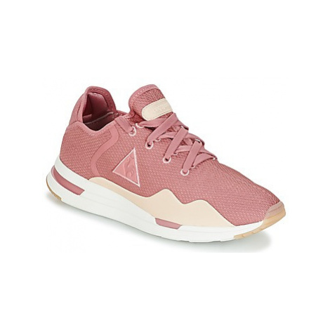 Le Coq Sportif SOLAS W SUMMER FLAVOR women's Shoes (Trainers) in Pink
