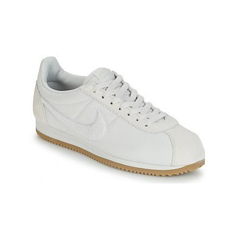 Nike CLASSIC CORTEZ SE men's Shoes (Trainers) in Beige