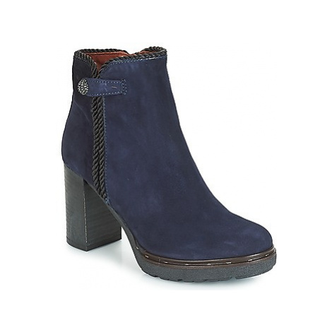 Dream in Green JATUREL women's Low Ankle Boots in Blue