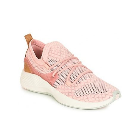Timberland FLYROAM GO women's Shoes (Trainers) in Pink