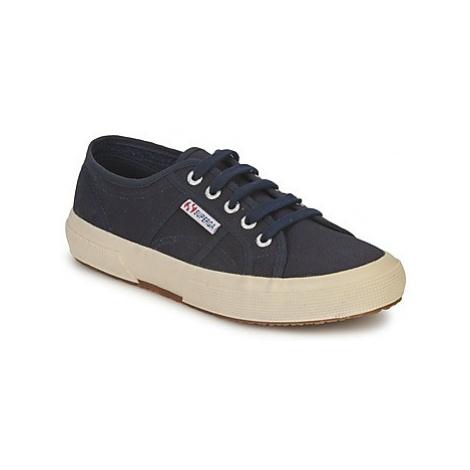 Superga 2750 COTU CLASSIC women's Shoes (Trainers) in Blue