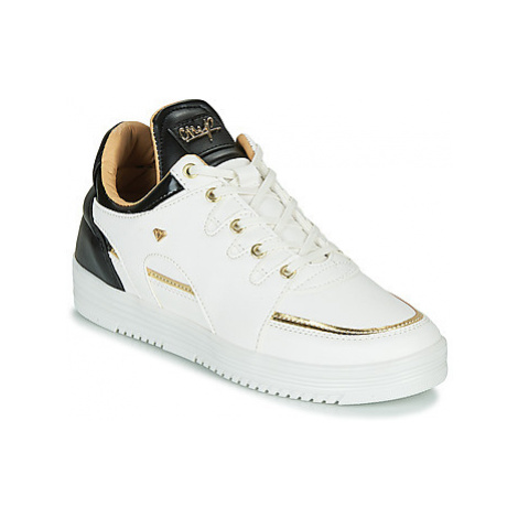 Cash Money CMS71-LUXURY men's Shoes (Trainers) in White
