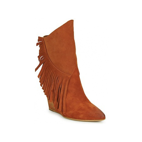 Strategia FRANGIO women's Low Ankle Boots in Brown
