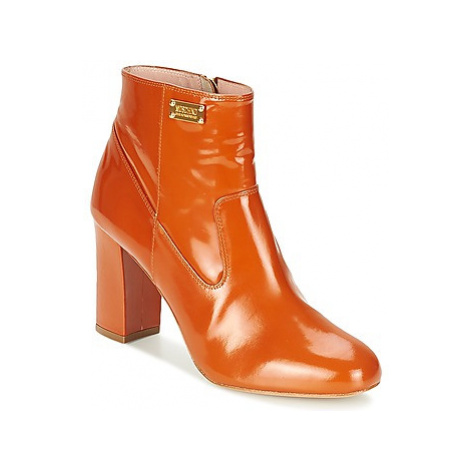 Moschino Cheap CHIC TAG women's Low Ankle Boots in Brown
