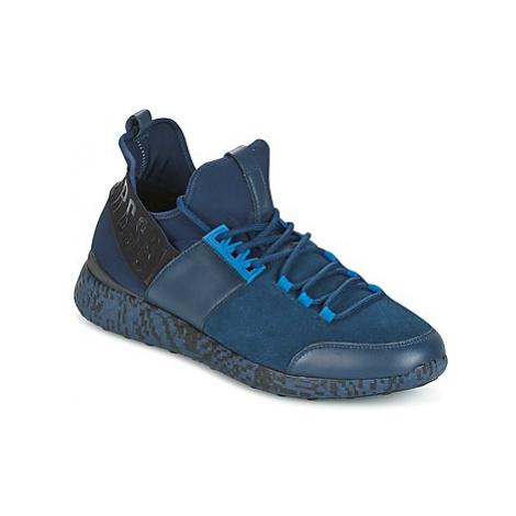 Bikkembergs STRIKER 962 men's Shoes (Trainers) in Blue