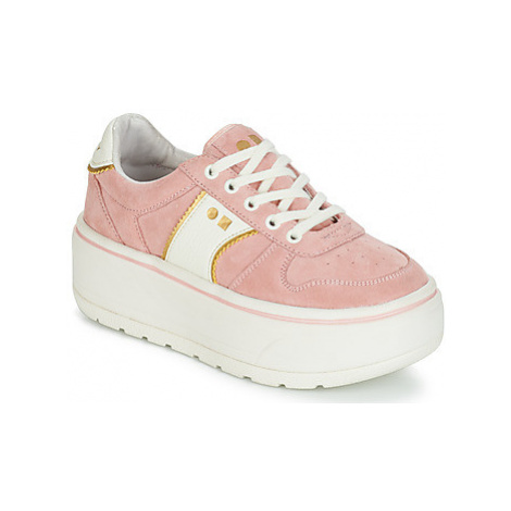 Coolway RUSH women's Shoes (Trainers) in Pink