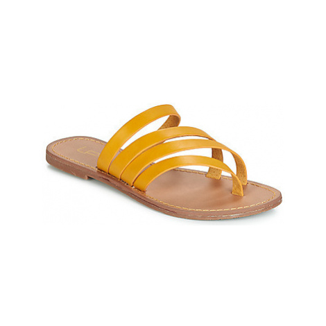 Les Petites Bombes ROXANNE women's Flip flops / Sandals (Shoes) in Yellow