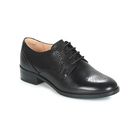 Clarks NETLEY ROSE women's Casual Shoes in Black