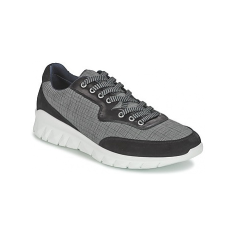 Paul Joe REPPER men's Shoes (Trainers) in Black Paul & Joe
