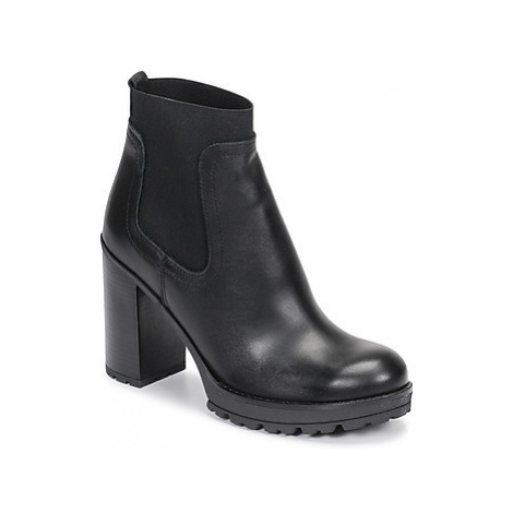 Sweet Lemon RAISSA women's Low Ankle Boots in Black
