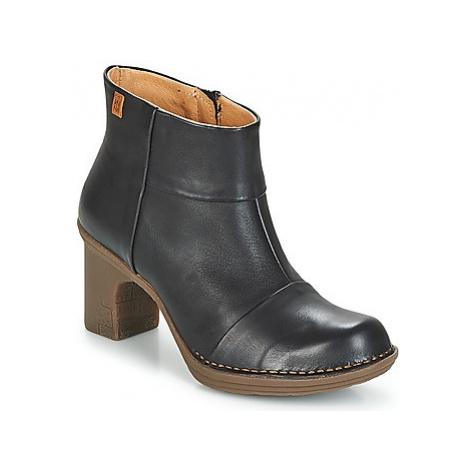 El Naturalista DOVELA women's Low Ankle Boots in Black