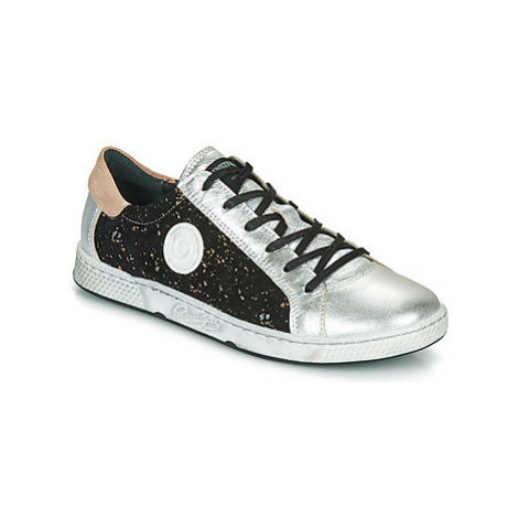 Pataugas JUNE women's Shoes (Trainers) in Silver