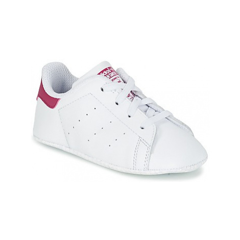 Adidas STAN SMITH CRIB girls's Children's Shoes (Trainers) in White