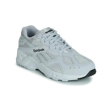 Reebok Classic AZTREK 93 women's Shoes (Trainers) in Grey