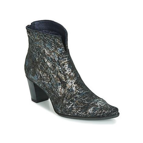 Dorking BRAKO women's Low Ankle Boots in Grey