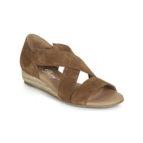 Betty London JIKOTE women's Sandals in Brown