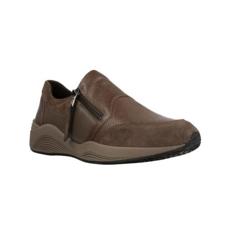 Geox D OMAYA women's Shoes (Trainers) in Brown