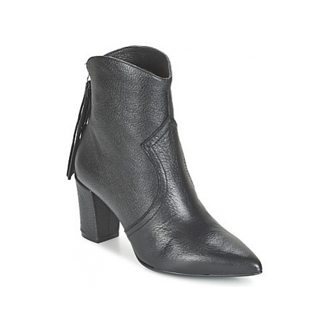 Fericelli FADIA women's Low Ankle Boots in Black