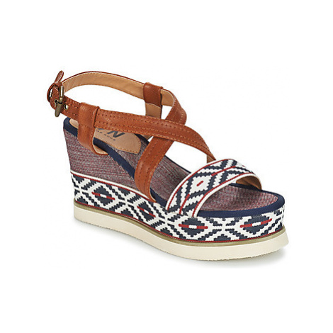Elue par nous ESCALE women's Sandals in Blue