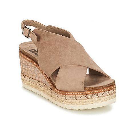 Refresh 69815 women's Sandals in Beige