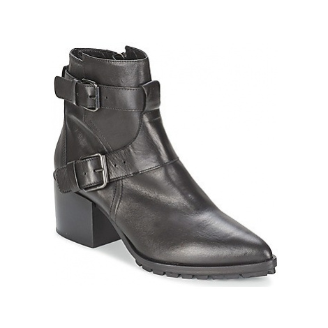 Strategia FUCILE women's Low Ankle Boots in Black