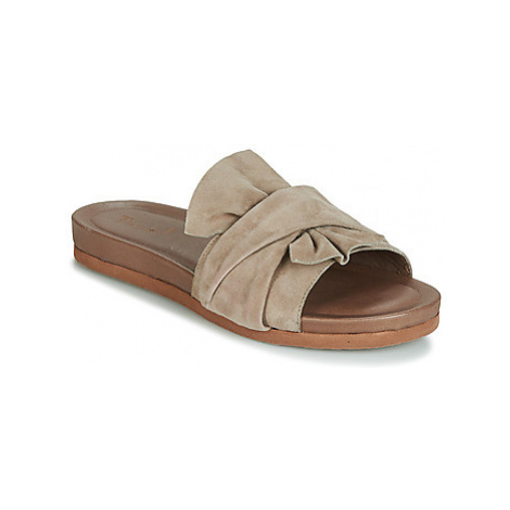 Think MOUHA women's Mules / Casual Shoes in Beige