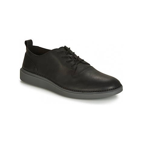 Clarks HALE LACE men's Shoes (Trainers) in Black